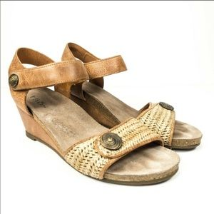 Taos leather wedge sandals